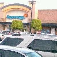 รูปภาพถ่ายที่ Superama โดย Alejandro T. เมื่อ 3/12/2013