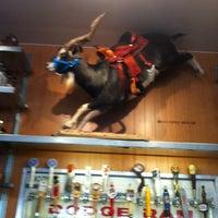 Foto scattata a Rodeo Goat da Gruggs il 2/19/2013
