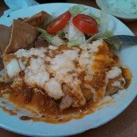 Foto tomada en Burritos La Palma por Wenceslao R. el 10/29/2013