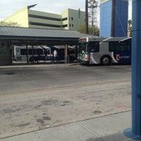 Das Foto wurde bei Sun Tran Ronstadt Transit Center von miguelón 💀 am 12/10/2013 aufgenommen