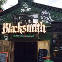 Снимок сделан в Blacksmith пользователем Артемий В. 6/18/2014