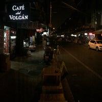Foto tirada no(a) Café del Volcán por Brian L. em 2/13/2015