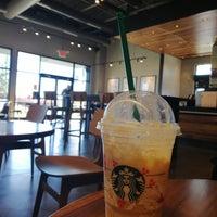 รูปภาพถ่ายที่ Starbucks โดย Mody A. เมื่อ 11/4/2018