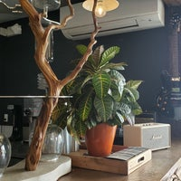 10/6/2019 tarihinde Kazem E.ziyaretçi tarafından Left Hand Coffee'de çekilen fotoğraf