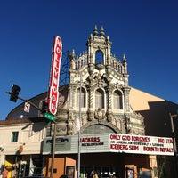Снимок сделан в Hollywood Theatre пользователем Stuart C. 7/21/2013