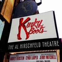 Снимок сделан в Kinky Boots at the Al Hirschfeld Theatre пользователем Chelsea O. 3/24/2013