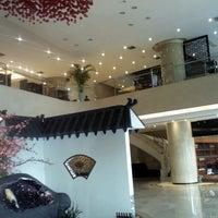 Foto tirada no(a) 银都酒店 Yindu Hotel por Alan W. em 3/15/2013