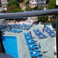 Foto tirada no(a) Ponz Apart Hotel por Reyhan B. em 7/28/2014