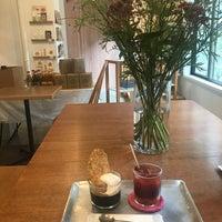 Foto tirada no(a) foodmood por D@ISUKE em 8/17/2018
