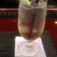รูปภาพถ่ายที่ Cedar Crossing Tavern and Wine Bar โดย Kenyan J. เมื่อ 5/29/2013