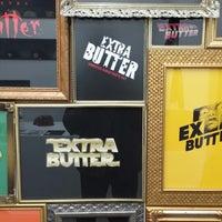 Foto scattata a Extra Butter da Shawn L. il 12/31/2013