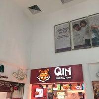 Foto tomada en Qin Oriental Food por Guillermo M. el 6/15/2017