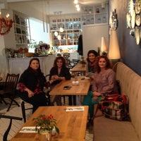 10/30/2013 tarihinde Munevver Y.ziyaretçi tarafından Naif'de çekilen fotoğraf