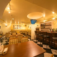 8/11/2018 tarihinde メッゼ (Mezze)Turkish&Mediterranean Restaurantziyaretçi tarafından Mezze'de çekilen fotoğraf