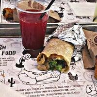 รูปภาพถ่ายที่ Burrito Madre โดย Valentina P. เมื่อ 3/17/2015