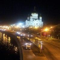 Photo prise au Bolshoy Kamenny Bridge par Cheveid S. le4/12/2013