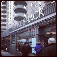 Foto scattata a Shake Shack da Yuta T. il 1/2/2013