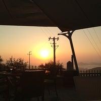 Photo prise au MMK Yeldeğirmeni Restaurant Yalıkavak par Cihat G. le8/15/2013