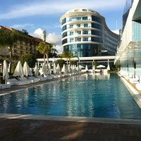 รูปภาพถ่ายที่ Q Premium Resort Hotel Alanya โดย Uğur İ. เมื่อ 4/4/2013