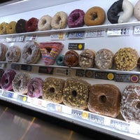 Foto tomada en Doughnut Plant por Megan C. el 6/27/2018
