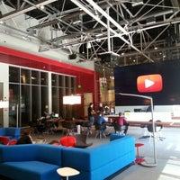Foto tomada en YouTube Space LA por Jeremy H. el 2/12/2013