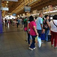 Foto tirada no(a) LRT 2 (Recto Station) por Leen M. em 3/17/2013
