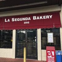 Foto tirada no(a) La Segunda Bakery por Joshua C. em 2/12/2020