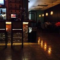 Foto scattata a Stax Burger Bar da Macy T. il 1/26/2016