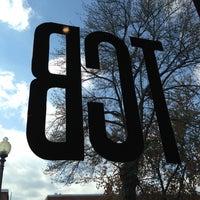 4/13/2013 tarihinde Angela R.ziyaretçi tarafından The Coffee Bar'de çekilen fotoğraf