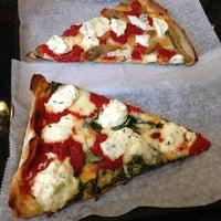 Снимок сделан в Rizzo's Fine Pizza пользователем Michael H. 3/29/2013