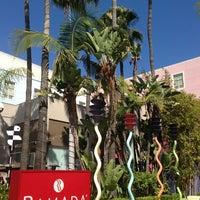 Foto tomada en Ramada Plaza West Hollywood Hotel and Suites por David ⚡. el 6/27/2013