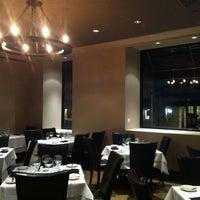 Foto tirada no(a) Angus Club Steakhouse por Labinot K. em 1/7/2014