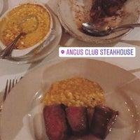Foto tirada no(a) Angus Club Steakhouse por Labinot K. em 12/30/2016