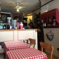 8/31/2013 tarihinde Sibel T.ziyaretçi tarafından Pizano Pizzeria'de çekilen fotoğraf