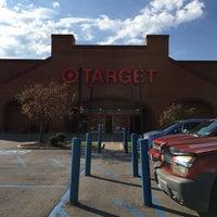 รูปภาพถ่ายที่ Target โดย Karen S. เมื่อ 11/14/2016