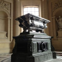 Das Foto wurde bei Tombeau de Napoléon von Ivan I. am 4/3/2013 aufgenommen