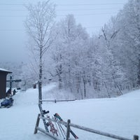 Foto tomada en Bolton Valley Main Base Lodge  por Joanna K. el 12/31/2012