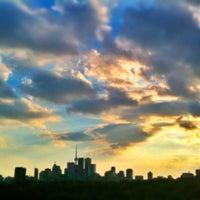 Foto tirada no(a) Riverdale Park East por Amir - a. em 10/4/2012