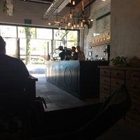 Foto tomada en Dosis Cafe por Valerie el 5/8/2015