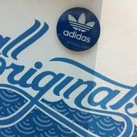 Photo prise au Adidas Originals par Baruch G. le4/7/2013
