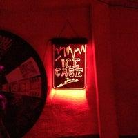 Das Foto wurde bei Mehanata Bulgarian Bar von Kate R. am 12/30/2012 aufgenommen