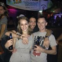 Das Foto wurde bei Freaki Tiki Bar von Bryant F. am 7/26/2013 aufgenommen
