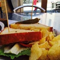 Foto tomada en Kitchen 208 por Jennifer K. el 5/8/2015