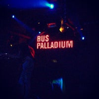 Photo prise au Bus Palladium par Valhery E. le4/27/2013