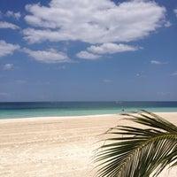 Foto tirada no(a) Único Beach por Danizinha em 5/4/2013