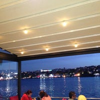 4/30/2013 tarihinde Ahmet U.ziyaretçi tarafından Mavi Haliç Cafe'de çekilen fotoğraf