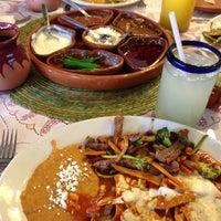 Das Foto wurde bei Los Chilaquiles von Ernest R. am 5/13/2013 aufgenommen