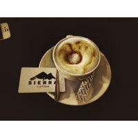 Foto scattata a Sierra Coffee Tash Rabat da Jeka S. il 5/16/2014