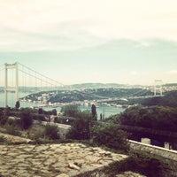 6/7/2013 tarihinde Ylz D.ziyaretçi tarafından Doğatepe Restaurant'de çekilen fotoğraf