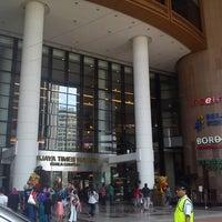 รูปภาพถ่ายที่ Berjaya Times Square โดย MR W. เมื่อ 3/23/2013